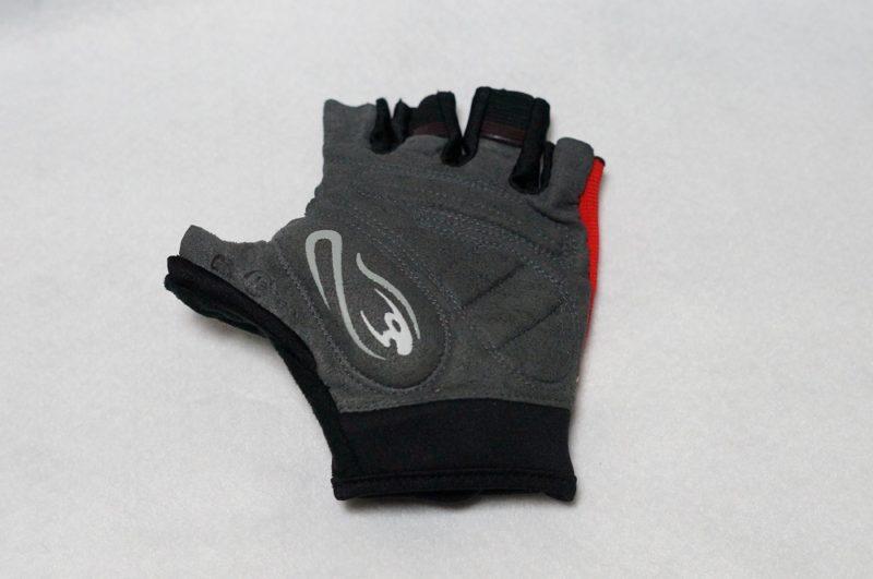 コミネのGKC-001はライディング時の手の痺れには効果有り!